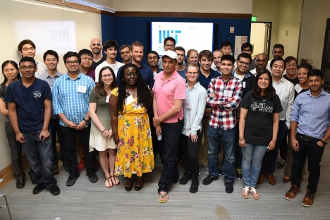 Un hackathon de un año involucra a la comunidad nano en torno a problemas de salud.
