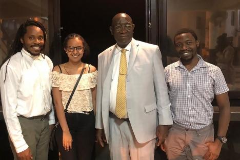 Desarrollar la educación: de África a Cambridge y viceversa.
