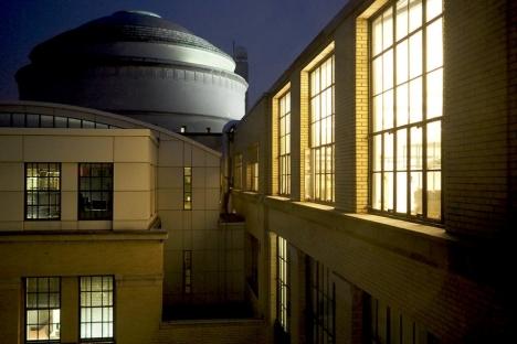 MIT continúa avanzando hacia objetivos de reducción de gases de efecto invernadero